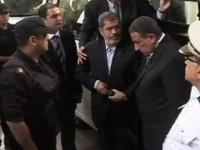 Morsi Tolak Pengadilan atas Dirinya