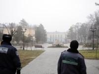 Massa Bersenjata Pro-Rusia Duduki Gedung Parlemen Krimea