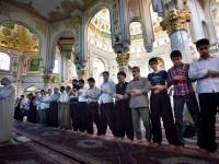 Aktivitas di Masjid Sunni Iran