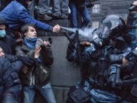 Bentrok Polisi-Demonstran  di Ukraina Tewaskan 14 Orang