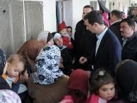 Assad Kunjungi Pengungsi Suriah di Adra, Damaskus