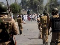 Polisi India Tembak Mati Seorang Demonstran Kashmir