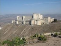 Tentara Suriah Rebut Qal'at al-Hisn, Belasan Gerilyawan Tewas