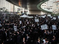 Ratusan Ribu Yahudi Ultra Ortodoks Protes Kebijakan Israel