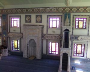 dalam masjid kuyularonu-dian akbas