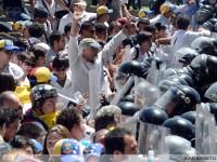 Para Dokter di Seluruh Penjuru Venezuela Gelar Demo