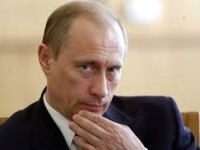 Putin: Kami Berhak Lindungi Etnis Rusia di Ukraina