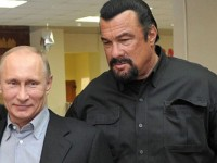 Aktor Steven Seagal Puji Putin dan Dukung Rusia