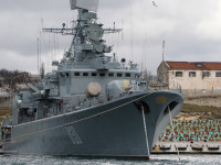 Kapal Perang dan Kastaf AL Ukraina Membelot