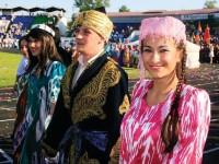 Putin Pulihkan Hak Muslim Tatar di Krimea
