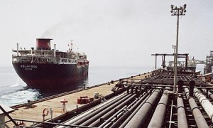 oil-tanker-leaving-the-007