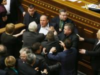 Sidang Parlemen Ukraina Jadi Arena Tinju