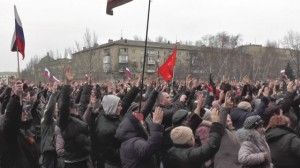 thousands-attend-pro-russia-rally-in-donetsk