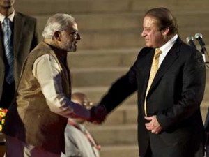 Modi_sharif_handshake360