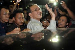 indonesia_suryadhama ali tersangka