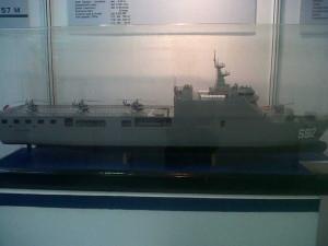 miniatur kapal perang karya PT PAL (foto:detik.com)