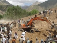 Ratusan Orang Terperangkap oleh Tanah Longsor di Afghanistan
