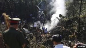 pesawat jatuh di laos