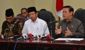 plt-menteri-agama-agung-laksono-kanan-wamenag-nazzaruddin-umar-_140530220616-331