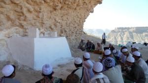 Di makam puncak bukit, foto: Dzul Fahmi