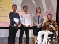 Arfi'an dan Arie (bersama  Susan Peters, dan CEO GE Indonesia, Handry Satriago). Foto: yess-online.com