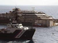 Kapal Pesiar Costa Concordia Diangkat