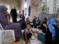 warga Gaza mengungsi di gereja (foto: AP)