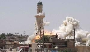 """""""داعش"""" يهدم اماكن مقدسة بالموصل وكركوك بينها مرقد النبي يونس (ع)"""