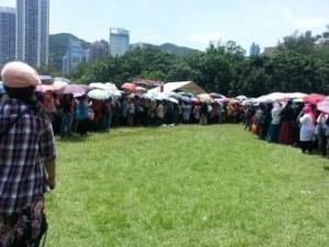 Antrian panjang di TPS Hongkong (foto:Detik)