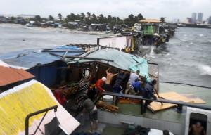Typhoon Rammasun hits Manila