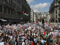 Puluhan Ribu Warga Meminta Inggris Kirim Kapal Medis ke Gaza