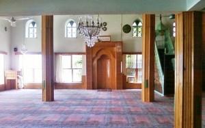 Ruangan Masjid Andizli, Foto: Dian Akbas