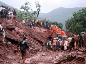 rescuers_work_india_landslide_Master