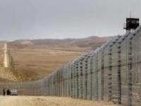 Takut ISIS, Arab Saudi Bangun Dinding Terpanjang di Dunia