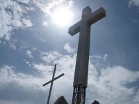 Salib Raksasa Pancing Kemarahan Warga Sarajevo