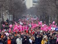 Ratusan Ribu Warga Perancis Demo Tolak Perkawinan Homoseks