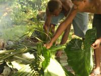 Cara memasak di Fiji, foto Syam Asinar