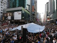Warga Hongkong yang Marah Serang Demonstran