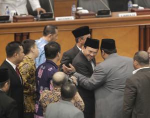 Ahok usai sidang paripurna DPRD Jakarta (foto: tribunnews)
