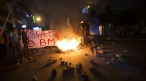 demo HMI di Cikini (foto: cnnindonesia)