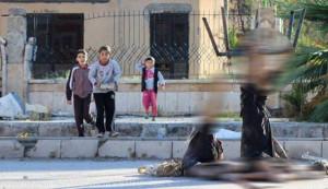 """""""داعش"""" تصلب جثثا في دير الزور ويعرضه"""