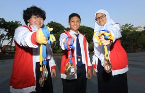 Foto: Vania, Kent dan Dinda (ki-ka)/Jawa Pos