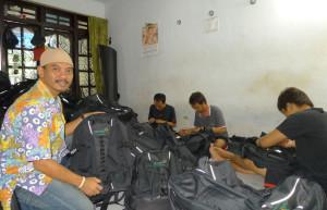 Achmad Nuril Mahyudin di workshopnya/jawapos