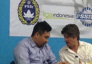 Pieter Huistra(kanan)/goal.com