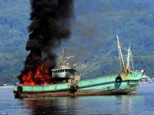 kapal nelayan ditangkap