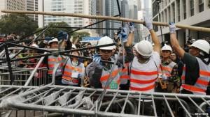 polisi hongkong beraksi