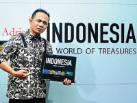 Ebbie Vebri Adrian, Sembilan Tahun Bertualang demi Buku Fotografi Indonesia