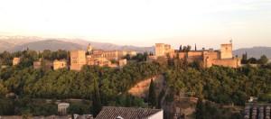 Istana Alhambra sebelum  matahari terbenam