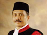 Palguna, Hakim MK yang abru