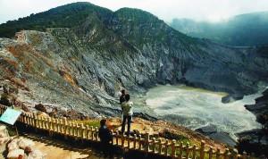 Objek Wisata di Bandung, Gunung Tangkuban Perahu